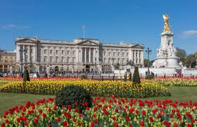 Historical Sites to Visit in London Buckingham palace
