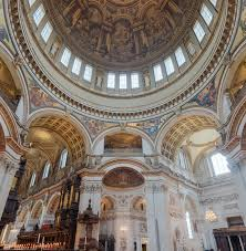 Historical Sites to Visit in London st paul's catedral